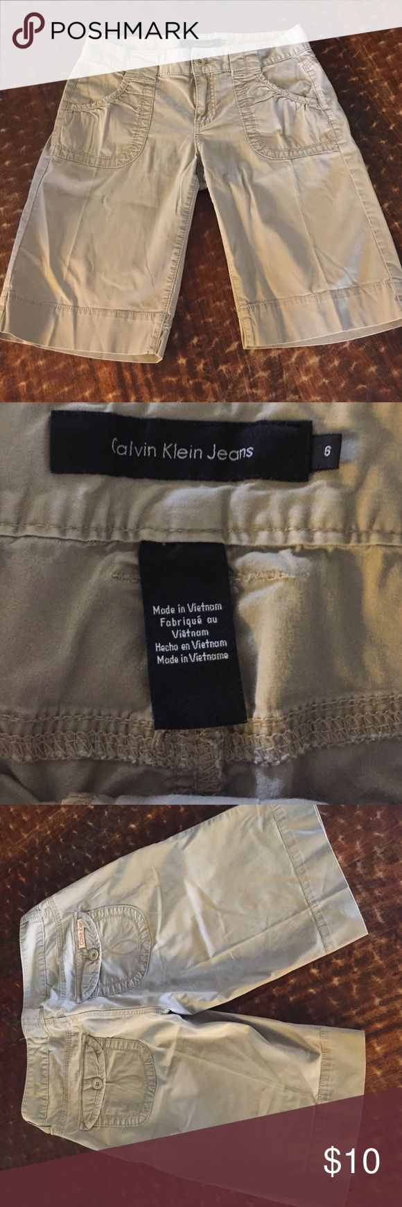 Calvin Klein shorts, size 6, good condition Calvin Klein Bermuda shorts, size 6, good condition Calvin Klein Jeans Shorts Bermudas