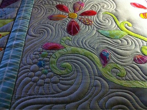 great spirals and bubbles!  Found at the Handi Quilter board .. be sure you follow them pinterest.com/...