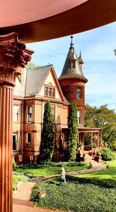 Dan and I have already decided to get married here:) Its the Henderson Castle, just gorgeous!