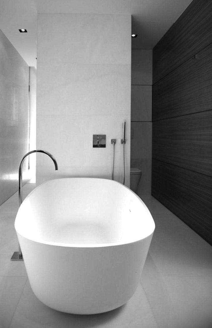 vrijstaand bad met vloer kraan