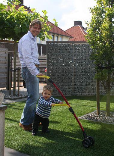 Accesorii Bebelusi - Walky Red de la Luvion pentru Bebelusul Tau, Online la Marisuca.ro