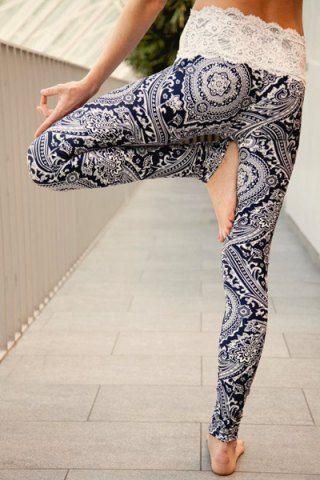 I love this print! I really love those yoga leggings!