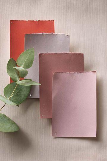 1. Persimmon, collection Romance, Little shop of Colors. 2. Pink slip, Little Greene. 3. Mild Rose, Maître en Couleur. 4. Nancy's Blushes, Farrow & Ball.