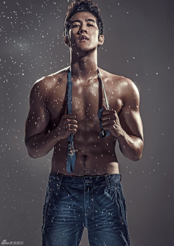 Aarif Rahman takes a break from playing a Chinese emperor to show off his hot abs