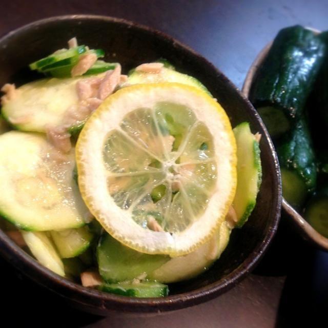 塩もみしてえぐみを取ってから、レモン汁とツナで和えるだけ!! この暑さで、バクバク食べちゃいました(*≧艸≦) - 10件のもぐもぐ - 檸檬でサッパリ♡ズッキーニのツナサラダ by raymom622