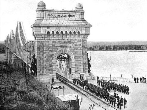 Podul istoric al României, testat cu preţul vieţii de creatorul lui: Ştiam că va ţine!
