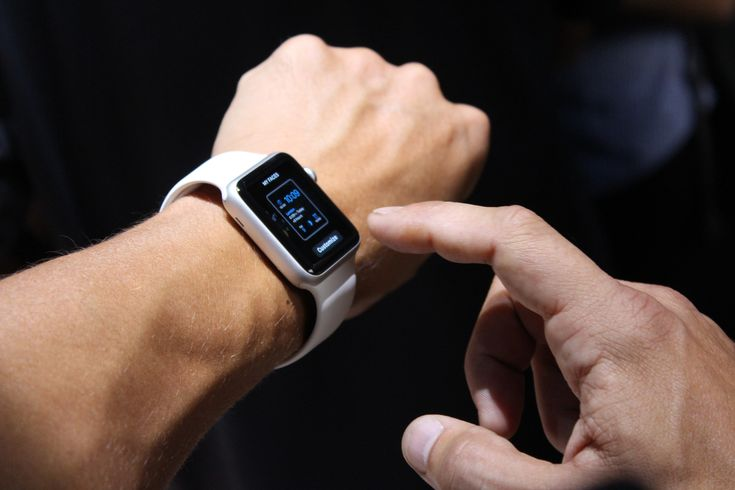 First Apple Watch Spotted in the Wild, Some Are Already Using It