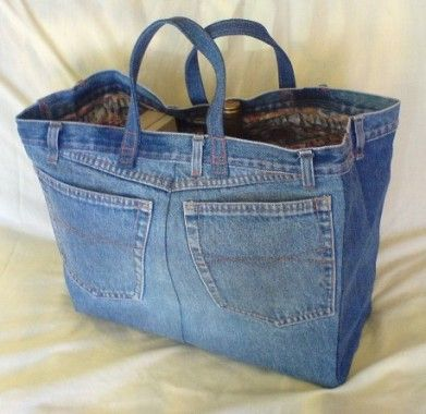 Great way to recycle jeans. The bigger the jeans, the bigger the bag.: Recycled Jeans, Grocery Bags, Blue Jeans, Jeans Bags, Totes Bags, Shops Bags, Jeans Pur, Beaches Bags, Old Jeans