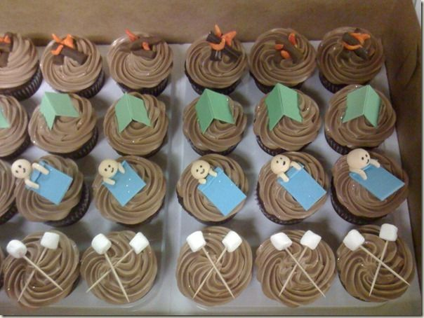this is just a picture but i love the marshmallow cupcake idea for Bens party