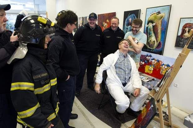 Uventet hyldest til brandmand   aoh.dk