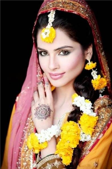 Bridal Hairstyles Pakistani Mehendi 38 Ideas