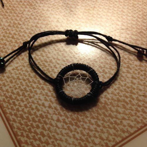 How to make a Dream Catcher Friendship Bracelet Tutorial - BraceletBook.com