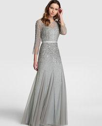 Vestido de noche de mujer Adrianna Papell con pedrería y falda plisada