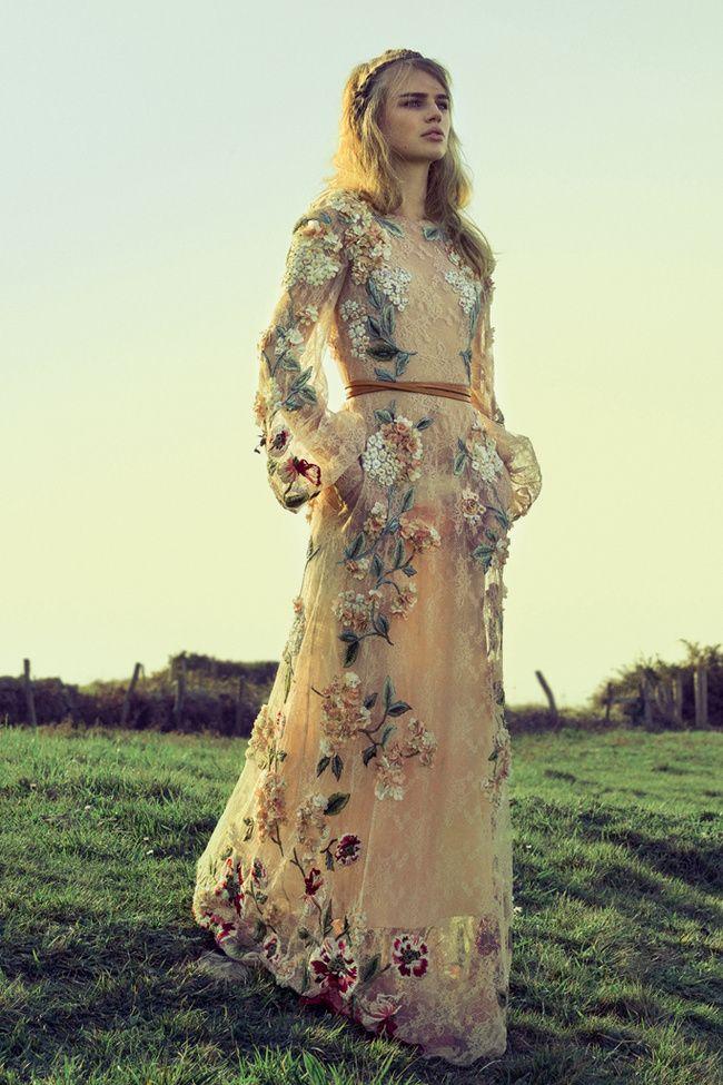 Valentino prerrafelita novia cruso bordado flores