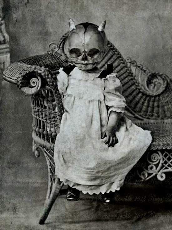 35 Creepy Cool Vintage Halloween Costumes - Team Jimmy Joe