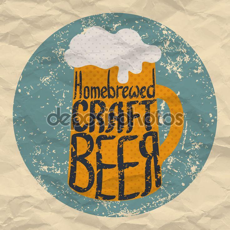 Étiquette de main de dessiné des bières artisanales. Illustration vectorielle de homebrewed tasse de bière artisanale. Affiche de bières artisanales de style rétro grunge. Texture de papier froissé