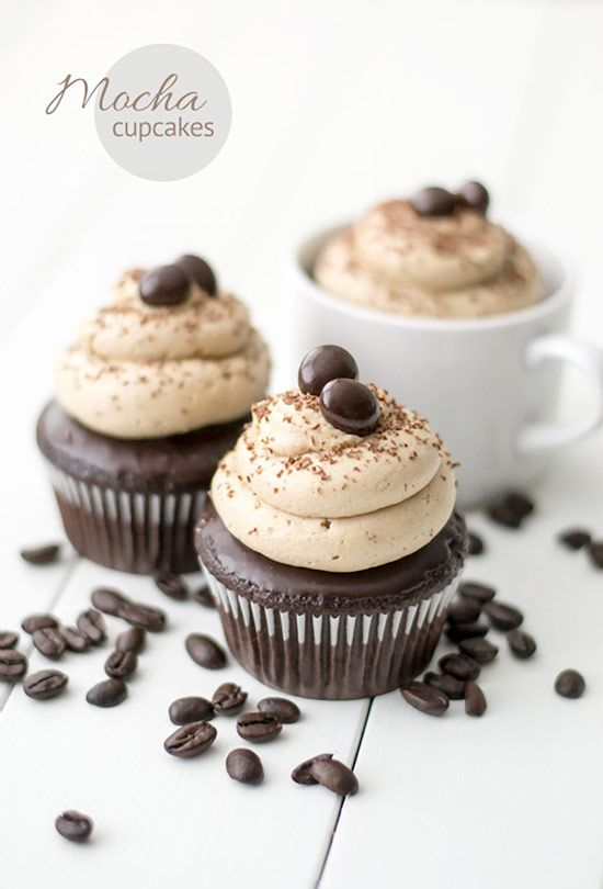 Mocha Cupcake Recipe. The perfect cupcake for coffee lovers, with a good dose of Kahula. #cupcake #recipes