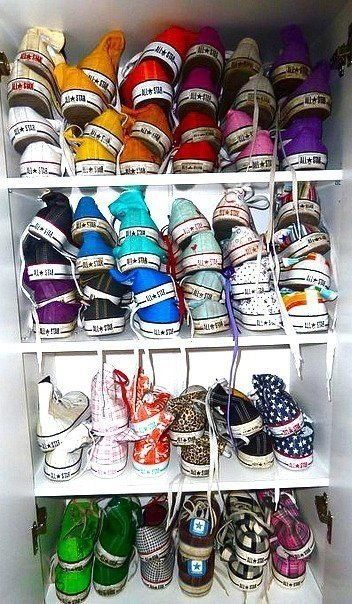 Literally my goal in life is to have a giant collection of converse like this. I already have nine pairs so far