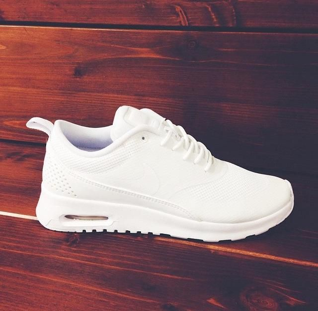 Nike air max Thea- All White.