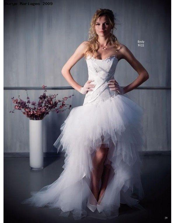 asymetrické tylové svatební šaty Emily