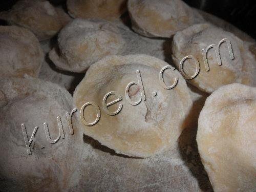 Вареники с картошкой, приготовление -  плотно залепить