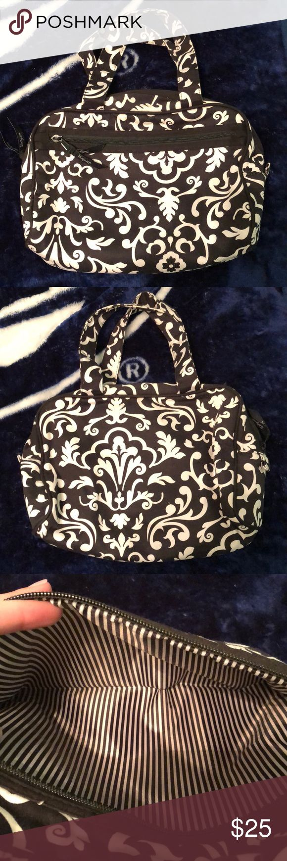 Thirty-one black and white makeup bag Pretty decent condition. Inside just needs a baby wipe taken to it. Pockets are super clean. Great travel bag since inside can be wiped down:) Thirty-One Bags Cosmetic Bags & Cases