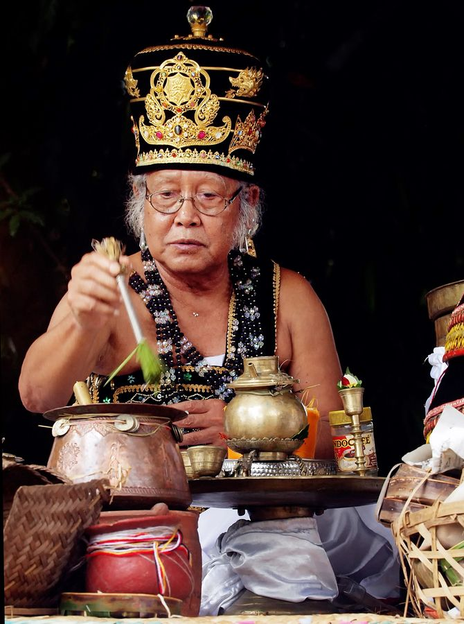 Pedanda -Balinese priest Bali Floating Leaf Eco-Retreat. http://balifloatingleaf.com/