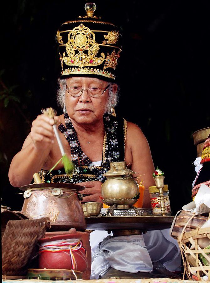 Pedanda -Balinese priest  by johanes  siahaya, via 500px