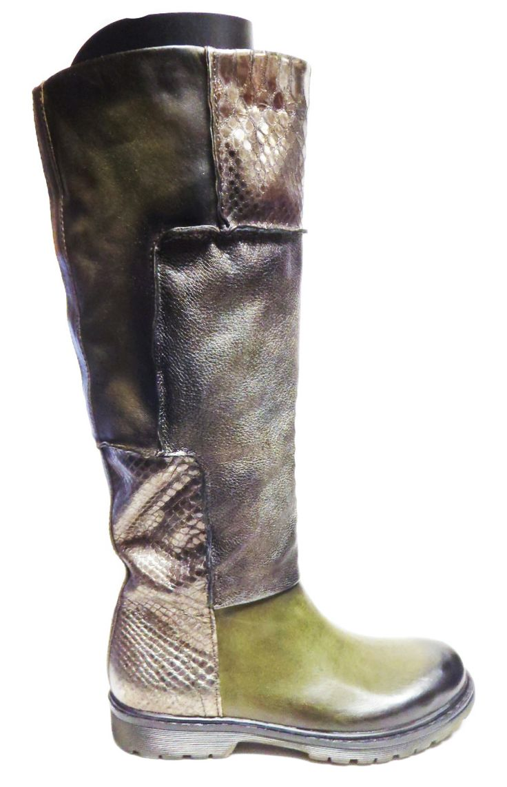 MJUS 553310 Athletic (Wide) Calf Boot http://www.traxxfootwear.ca/catalog/5190701/mjus-553310-athletic-wide-calf-boot