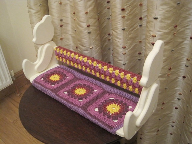 Ravelry: ashlaw's pretty Nursery/child's room shelf cover