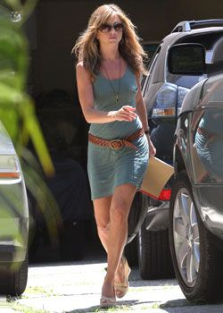 jennifer aniston - low slung belt over t-shirt dress, long necklace