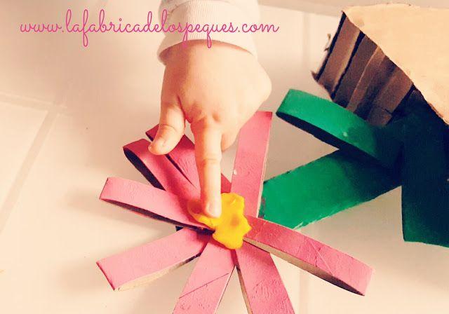 Manualidad infantil: Portanotas de cartón | La fábrica de los peques