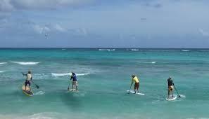 Cursos de Paddle Surf.  En el Club Náutico Recreativo de Sada Paddle Surf impartimos cursos para que te inicies en este novedoso deporte. Además, organizamos excursiones para grupos de forma que puedas disfrutar en compañía de tu familia o tus amigos.