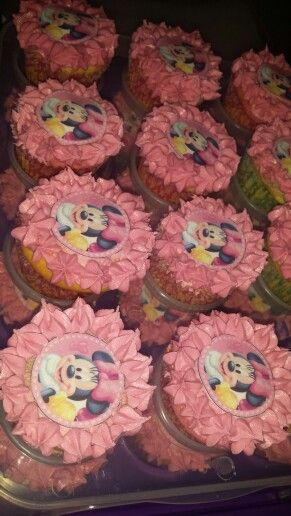 Minnie mouse by Crèmè de la crèmè Cupcakes