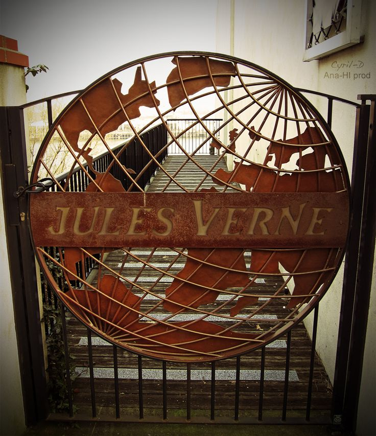 Jules Verne Museum, Nantes, France ~ NEED to go there!