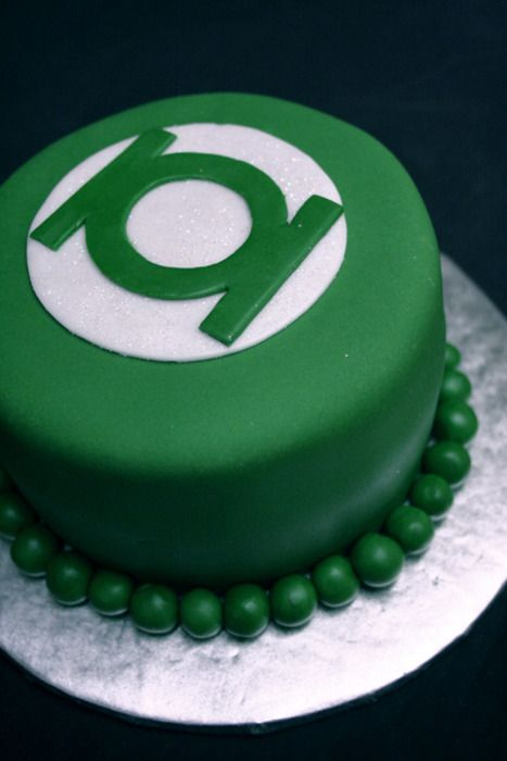 Green Lantern Cake - If I had seen this before the wedding Mike may have gotten this instead of the AC/DC cake.