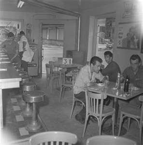 La taverne du coin  Montreal circa 1950