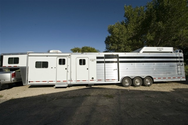 2010 Logan $43,000  11ft LQ Horse Trailer World - Huge Selection of Horse Trailers, Cargo, Trucks - 3 compartments - last compartment about 3ft  24ft stock area, 5 ft mid-tack, 50ft total length