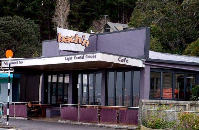 Bach'n Cafe, Maraetai
