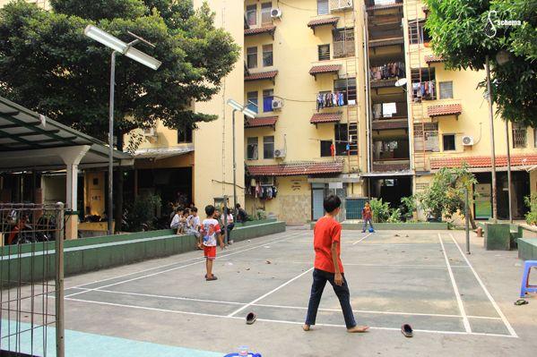 lapangan futsal di Rumah baru Maya