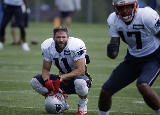 Julian Edelman looked great early in Tuesday's practice between the New England Patriots and Chicago Bears.