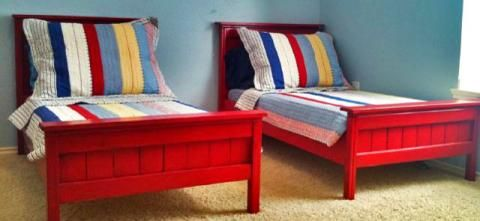TODDLER FARMHOUSE BEDToddlers Farmhouse, Toddlers Beds, Twin Beds, Ana White Farmhouse Beds, Diy Toddlers, Boys Room, Farmhouse Plans, Diy Projects, Twin Bedrooms