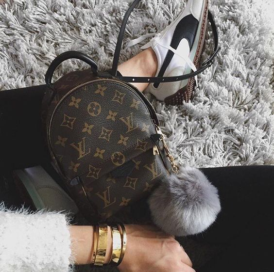 Louis Vuitton New Handbags, Best Choice For Friend Gifts.