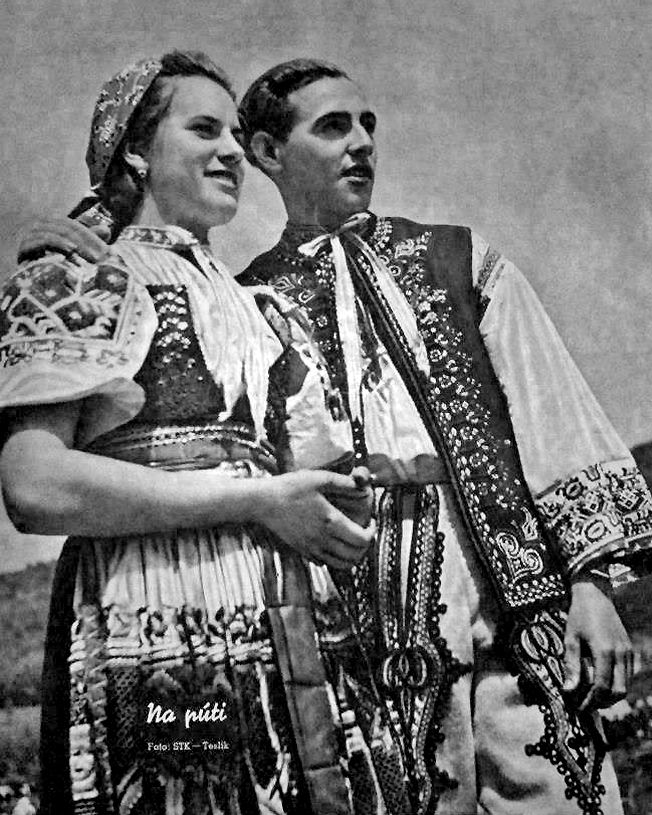 Slovak couple on a pilgrimage. From the front page of a slovak magazine Nový svet (New World) 1942.
