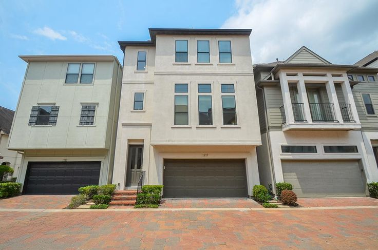 Best Single Family Property For Sale With 3 Beds 3 1 Baths In 400 x 300
