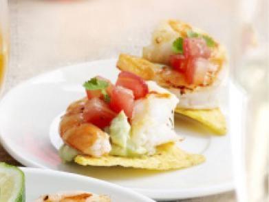 Tortillatoast met scampi's en guacamole