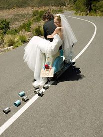 Cute wedding getaway in a Vespa ( why don't we have these everywhere in the USA?)