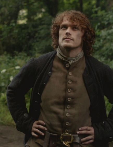 "Jamie (Sam Heughan) in ""The Watch"" of Outlander on Starz via http://outlander-online.com/2015/05/03/1370-uhq-1080p-screencaps-of-episode-1x13-of-outlander-the-watch/"