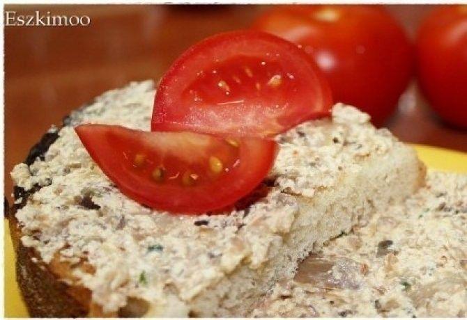 Sajtos gombakrém háziasan recept képpel. Hozzávalók és az elkészítés részletes leírása. A sajtos gombakrém háziasan elkészítési ideje: 15 perc