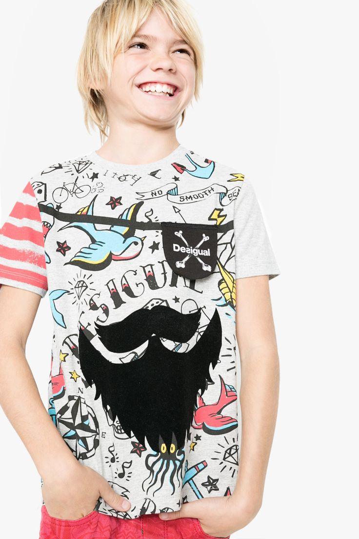 Camiseta para niño estampada Desigual. ¡Descubre la colección de niño más cañera!